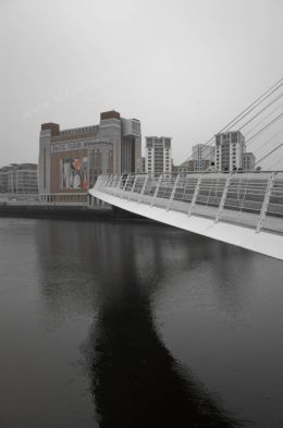 Baltic Arts and Millennium Bridge.