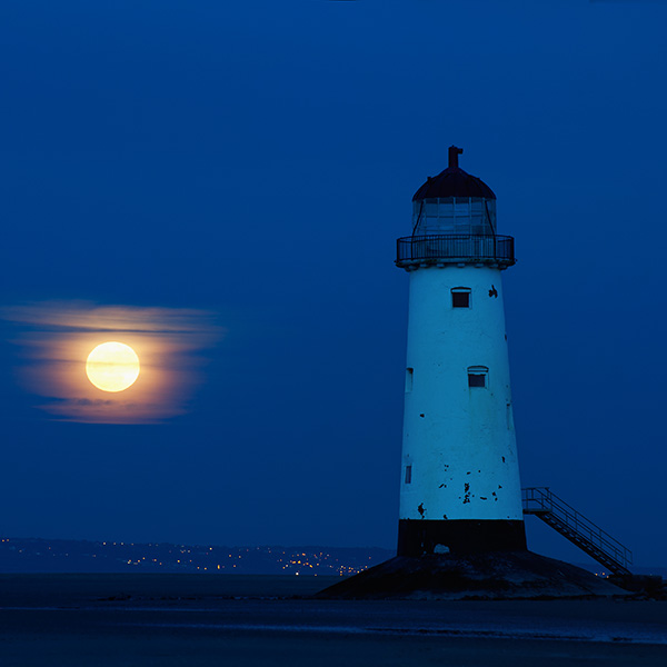 Moonrise - Talacre