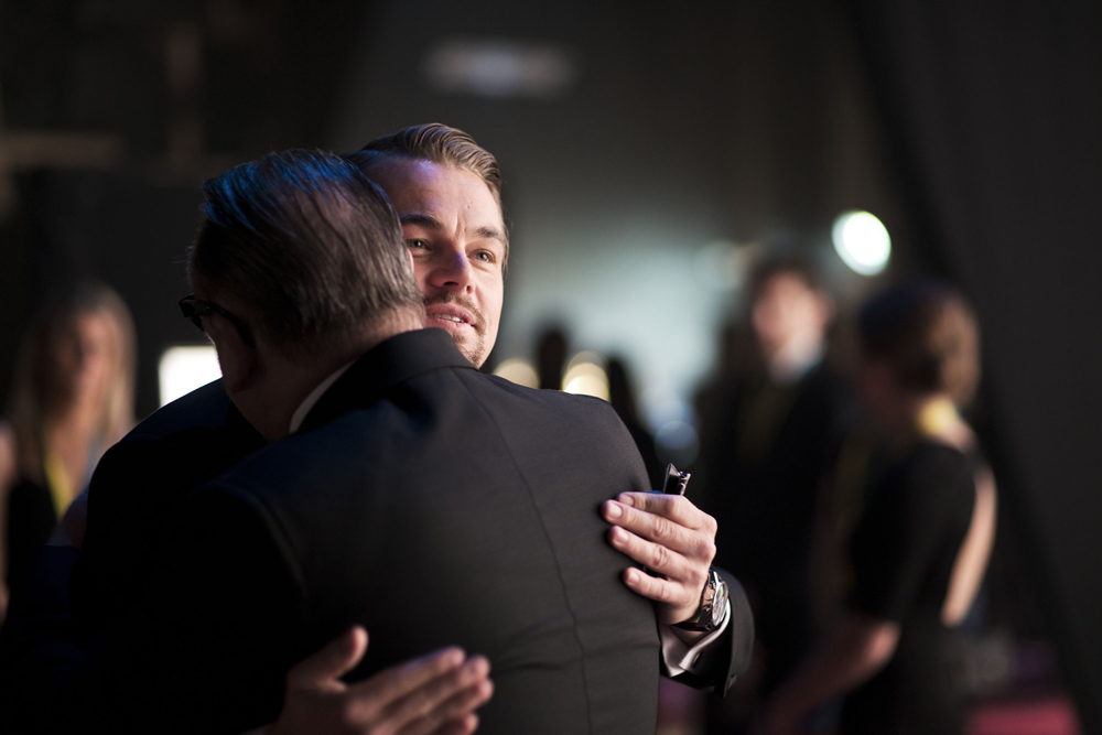 DiCaprio hug